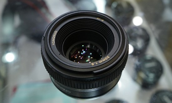 Yongnuo-AF-S-50mm-f1.8-lens-for-Nikon-F-mount-550x367