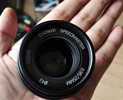 Mitakon-Zhongyi--25mm-f0.95-Pancake-Lens