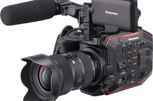 Panasonic-AU-EVA1-Compact-5.7K-Super-35mm-Cinema-Camera