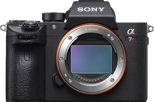 Sony-a7R-III-body
